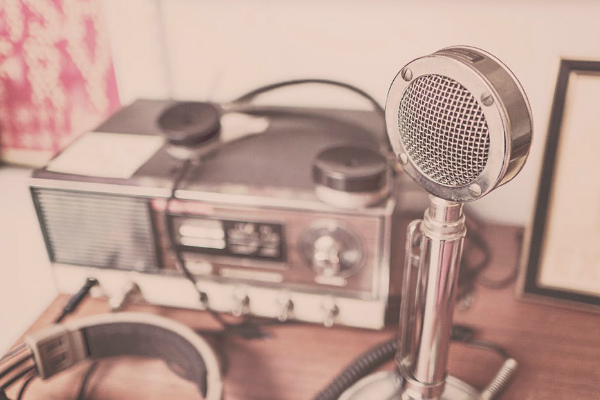 3 Things Latinx Radio Stations Need to Start Doing